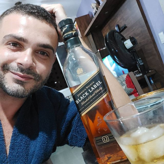 Screenshot_2020-04-06 #johnniewalker hashtag on Instagram • Photos and Videos